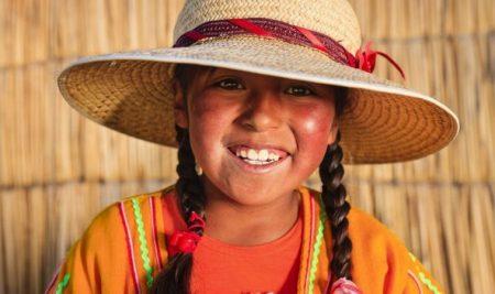 ¿Cuántas lenguas originarias existen en Perú y cuáles de éstas se hablan en otros países?